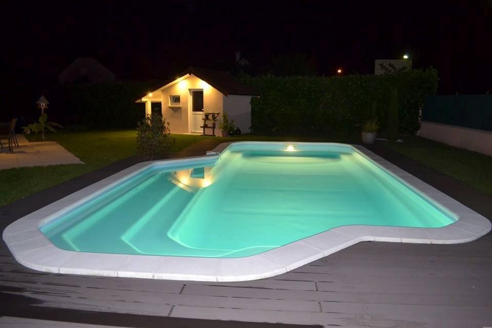Quels sont les différents types de matériaux pour la margelle de piscine?
