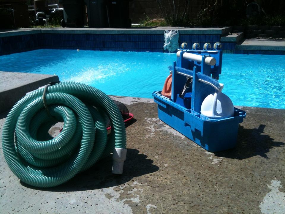 Apprenez à nettoyer votre piscine