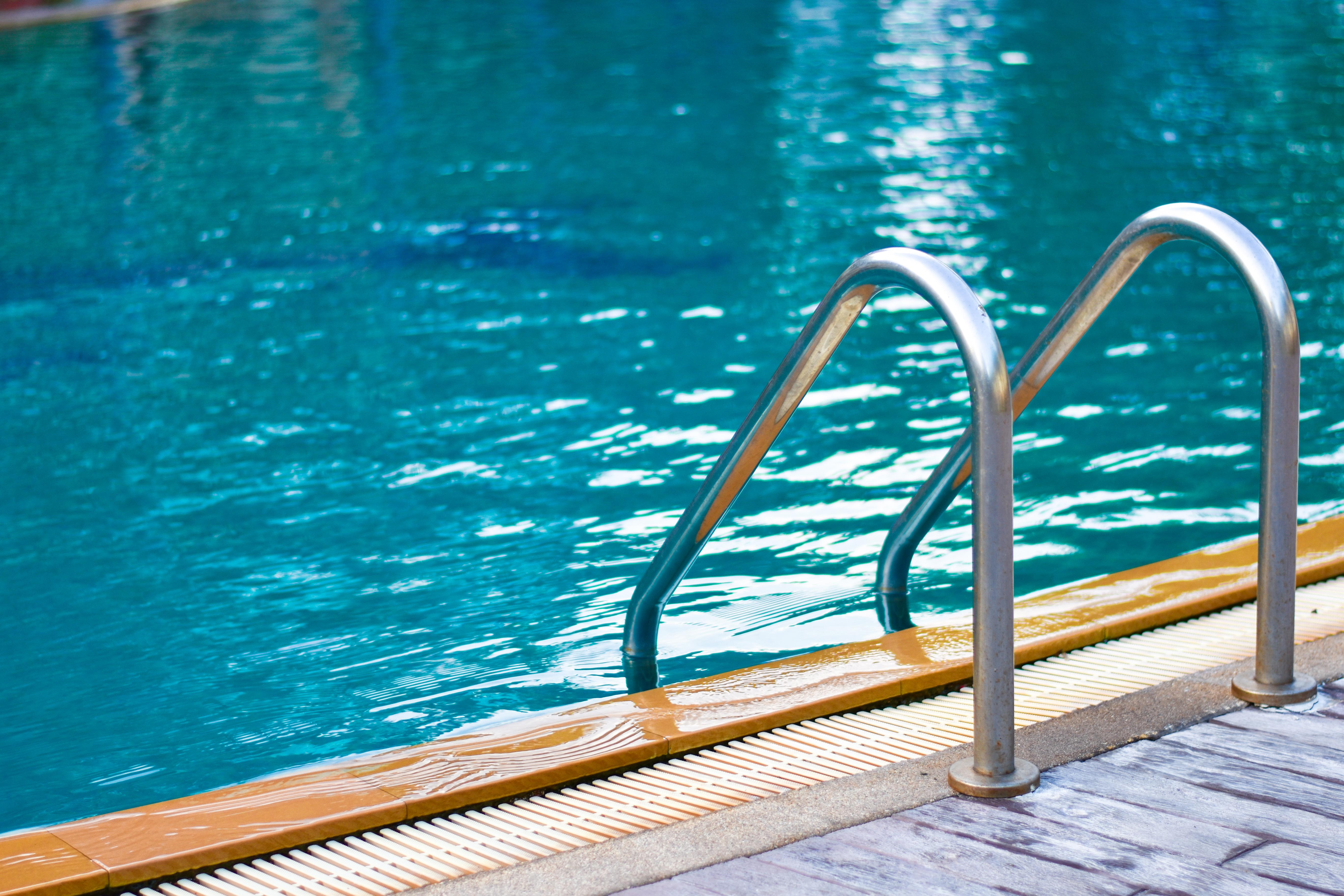 Installer un abri de piscine pour une protection optimale