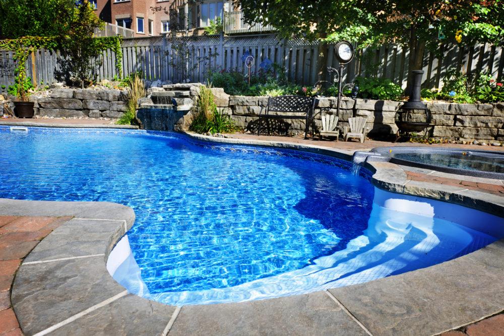 Une piscine naturelle chez soi