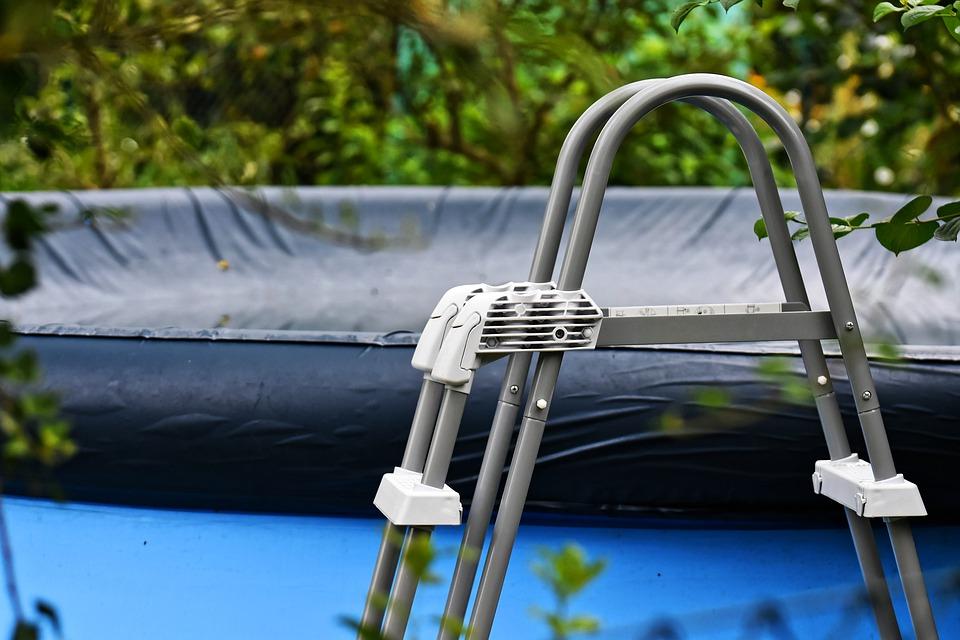 Bâche de piscine: une meilleure option pour protéger son bassin