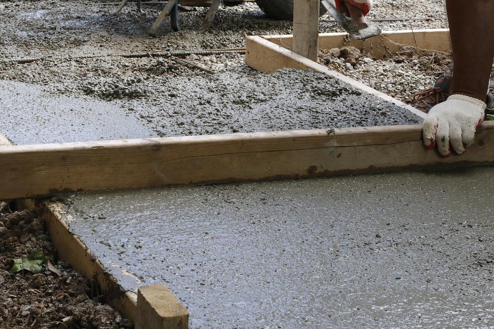 Les étapes de la construction d'une piscine