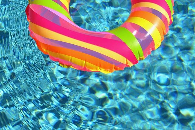Quelles sont les particularités d'une piscine coque?