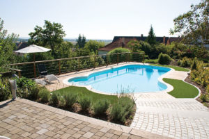 piscine en coque polyester