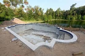 Faire construire sa piscine: le guide avant de tout commencer