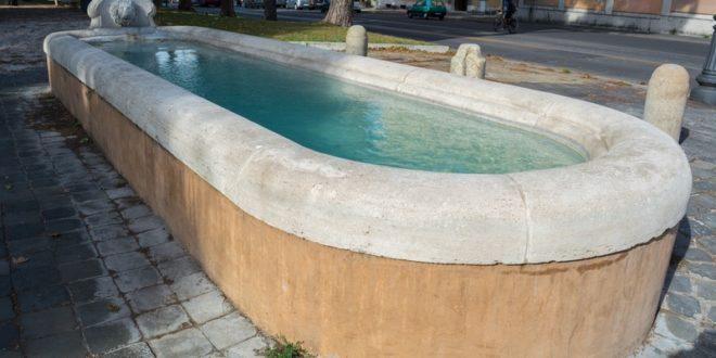 Comment réparer une piscine en béton fissurée?
