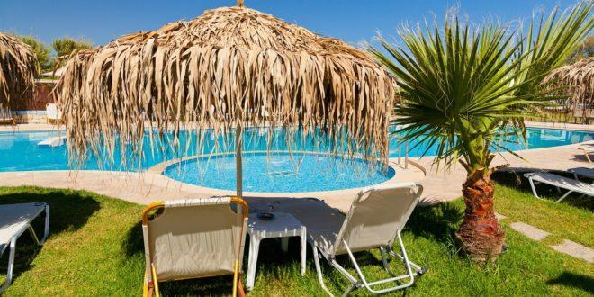 7 idées de déco pour aménager les abords de votre piscine