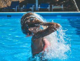 La piscine au sel : Une tendance qui a tout pour plaire