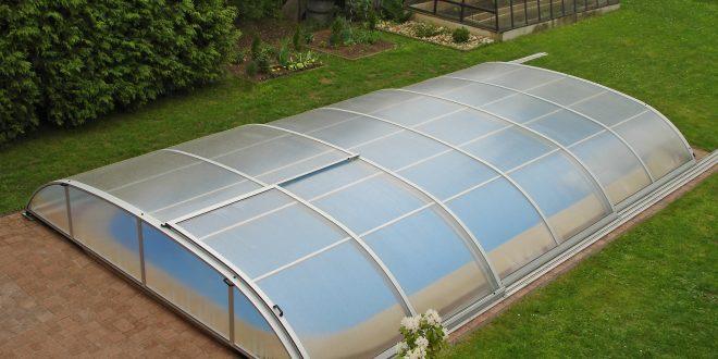 4 bonnes raisons de construire un abri de piscine?