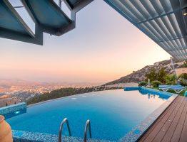 Quelles sont les règlementations pour la construction d'une piscine toit-terrasse?