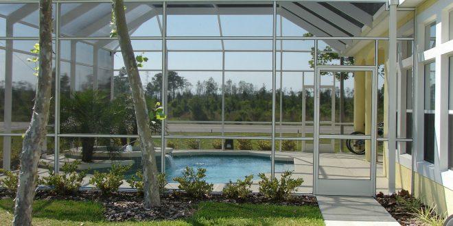Pourquoi et comment installer une véranda pour piscine?